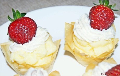 Cosulete cu crema de vanilie