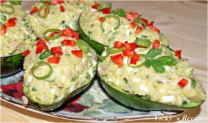 Salată de ton cu avocado