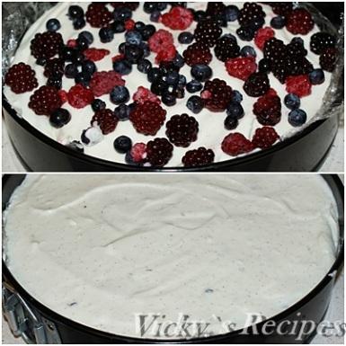 Cheesecake cu mascarpone, fructe de padure si caramel 6