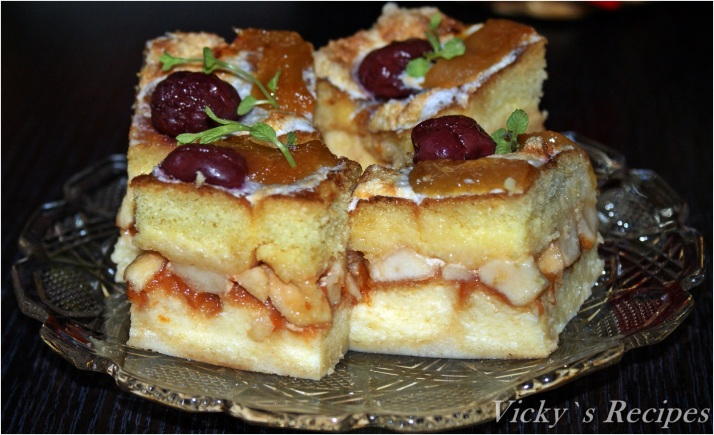 Prăjitură rapidă din pișcoturi și mere