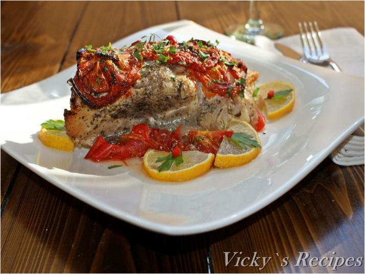 Pește (somn) la cuptor pe pat de legume