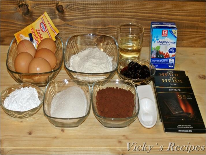 Ruladă cu ciocolată și vișine din dulceață