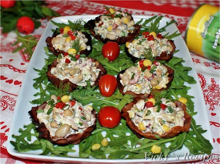 Coșulețe aperitiv din bacon cu salată de fasole albă și maioneză
