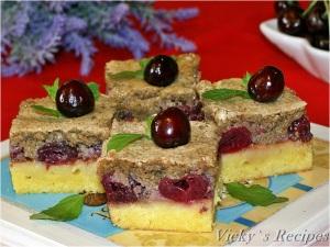 Prăjitură cu cireșe și bezea cu nucă