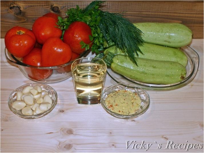 Salată caldă de dovlecei și roșii