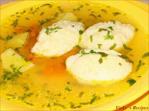 Supa de gaina, cu galuste de gris