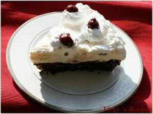 Tarta de ciocolata cu crema mascarpone si visine