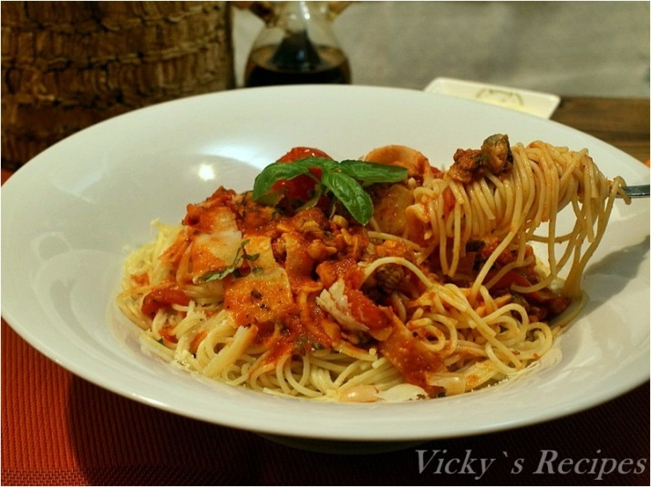 Spaghetti cu fructe de mare