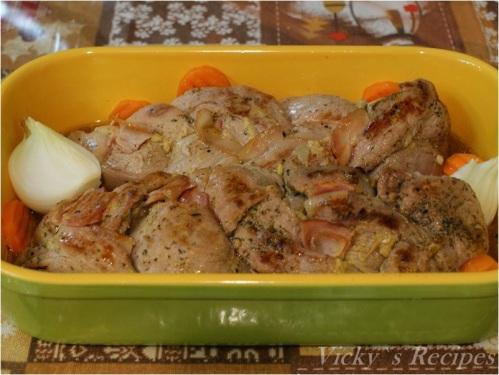 Muşchiuleţ aromat de porc împletit cu bacon