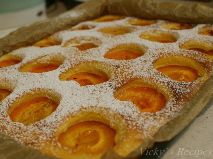 Prăjitură cu iaurt și caise