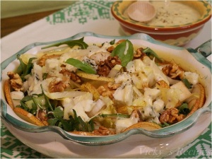 Salată de andive şi brânză cu mucegai